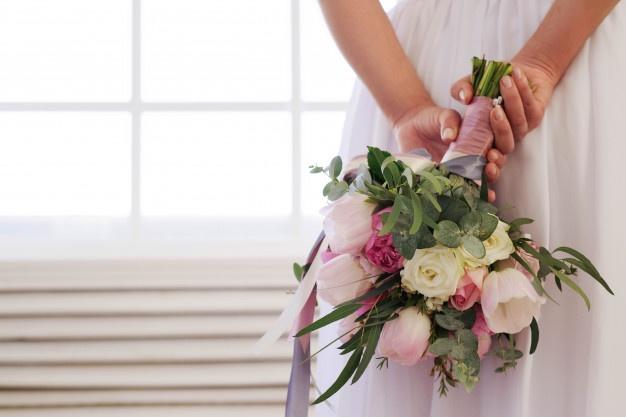 فلسفه دسته گل عروس